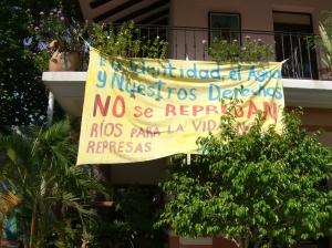 Pancarta contra las represas en Oaxaca