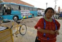 The caravan en route to San Juan Copala ©La Jornada