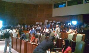 Sesión del Congreso oaxaqueño, 9 de mayo de 2012 (@Oaxaca en pie de lucha)