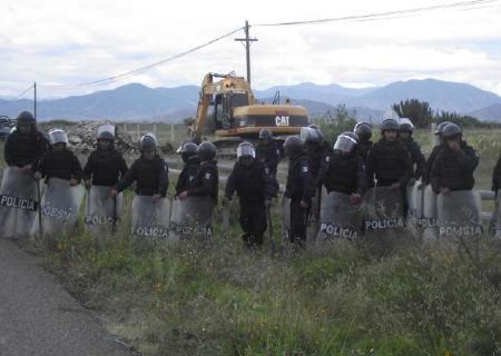 Policías estatales en Magdalena Ocotlán @ Educa