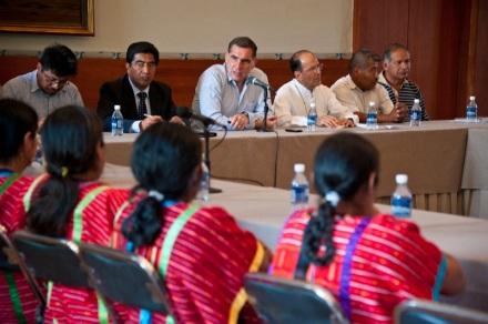 Mesa de diálogo previa al desalojo (@Gobierno del estado de Oaxaca)