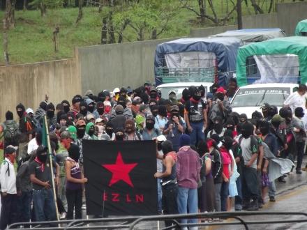 Marcha silenciosa zapatista del 21 de diciembre de 2012, Palenque (@SIPAZ)