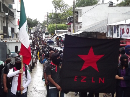 Marcha silenciosa zapatista, Palenque, 21 de diciembre de 2012 (@SIPAZ)