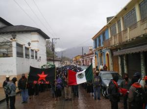 Marcha silenciosa de los zapatistas, 21 de diciembre de 2012, San Cristóbal de Las Casas (@SIPAZ)