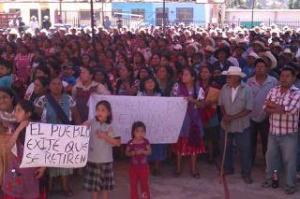 Asamblea en Magdalena Teitipac (@La Jornada)