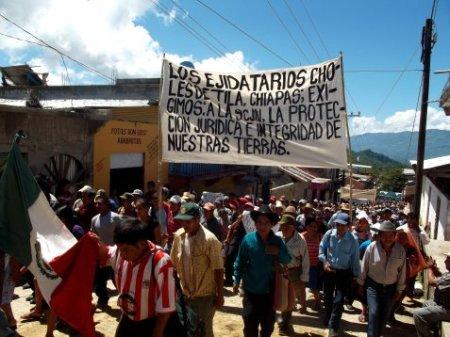 marcha de los ejidatarios en Tila en agosto de 2012 @ archivo SIPAZ