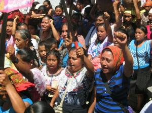mujeres del ejido en la marcha en Tila @ Simón Hernández/CentroProDH