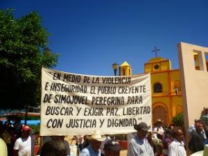Peregrinación de Pueblo Creyente en Simojovel, octubre de 2013 (@CDHFBC)
