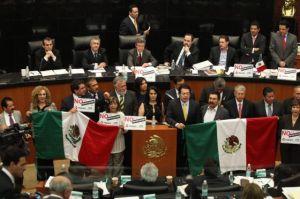 Senadores contrarios a la reforma. Foto @EFE