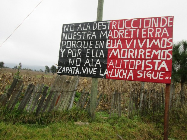 http://sipaz.files.wordpress.com/2014/02/letrero-madre-tierra-ezln.jpeg