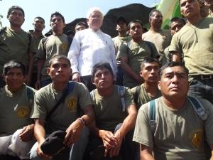 Raúl Vera, presidente del la Red Solidaría Década Contra la Impunidad, junto con miembros de las CRAC-PC. Foto (@Sipaz)