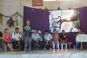 Sobrevivientes de la masacre de Viejo Velasco durante el TPP en El Limonar, Chiapas, julio 2014. Foto@SIPAZ