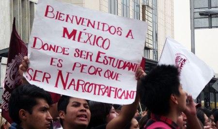 Movilización en la Ciudad de México, 20 de noviembre de 2014 (@SIPAZ)