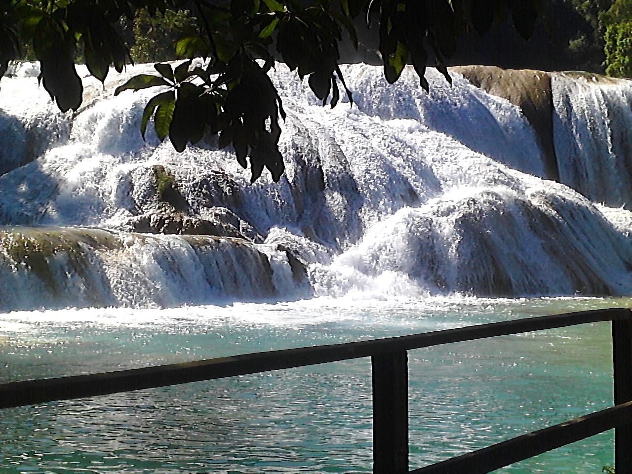 Chiapas desalojan a ind genas de san sebasti n bachaj n for Motor para cascada de agua