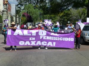 Manifestación contra los feminicidios en Oaxaca (@SIPAZ archivos)