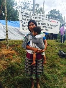 Campamento de desplazados de Primero de Agosto (@ChiapasParalelo)