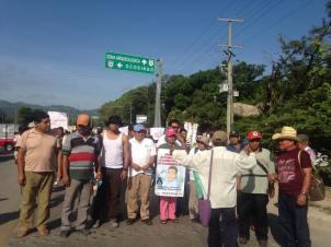 Delegación de Ayotzinapa en Palenque, Chiapas @OmarEl44