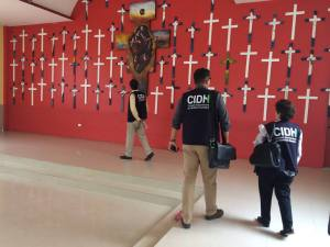 (Tres integrantes de la CIDH antes del encuentro en Tenosique, @ La 72)