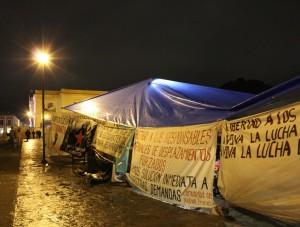 Platón en la Plaza de la catedral (@ Centro de medios libres)