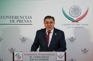 Luis Raúl González Pérez, presidente de la CNDH. Foto: @CuartOscuro