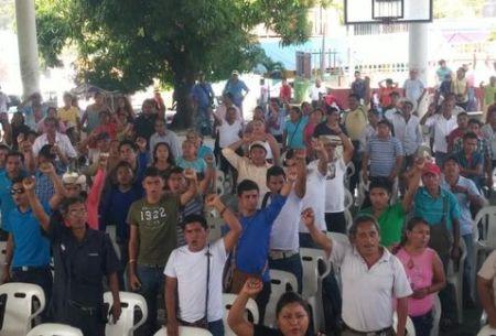Ayutla-consejo_popular-Upoeg-Ayotzinapa-cabildos_MILIMA20141129_0134_11