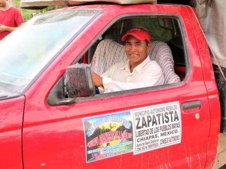 Cooperativa-de-transporte-del-EZLN-en-la-Selva-Foto-Ángeles-Mariscal-600x450