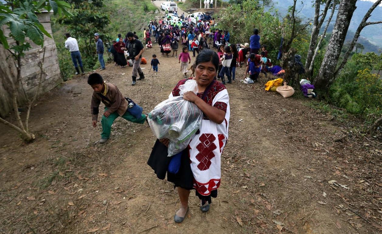 Disparan paramilitares de Chenalhó contra tzotziles desplazados