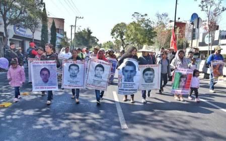 peregrinacion padres estudiantes ayotzinapa diciembre 2019 (2)